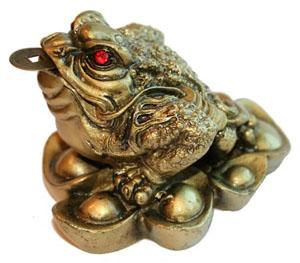 Символы удачи и защиты в фен шуй. Трехлапая жаба.